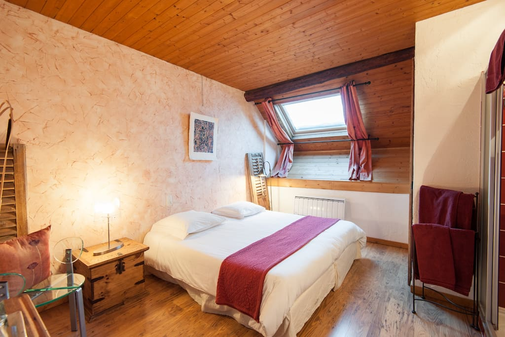 chambres d 39 h tes pr s aix les bains bed and breakfasts for rent in tr vignin rhone alpes france. Black Bedroom Furniture Sets. Home Design Ideas