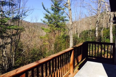 Cozy Echo Mountain View with firepit; close to Asheville, restaurants & more! - Fairview - Rumah