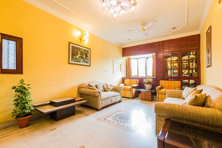 *****Homestay , excellent location