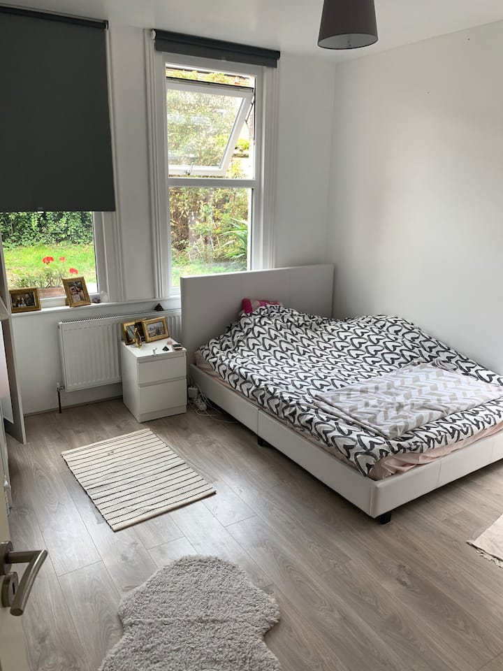 Perfect double room with private garden access