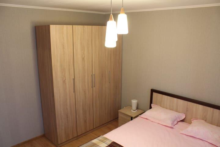 Новая 1-ная квартира с большой кухней-гостиной - Jekaterinburg - Wohnung