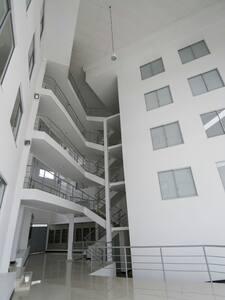 Apartamento Amoblado - Montenegro - アパート