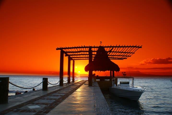 Hacienda Los Guayacanes Beach Front