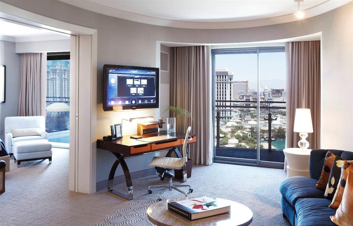 Cosmopolitan 2BR SuiteStrip and Fountain viewsCondominiums