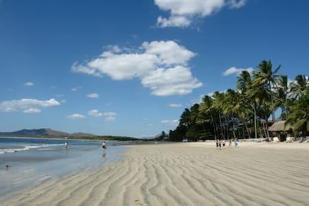 Beach House, Tamarindo CR