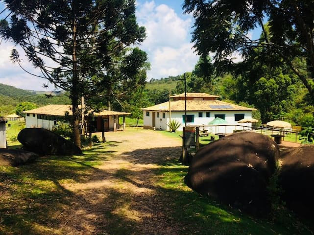 Pousada Ecorsini Aventura - Quarto 1 (Lobo Guará)