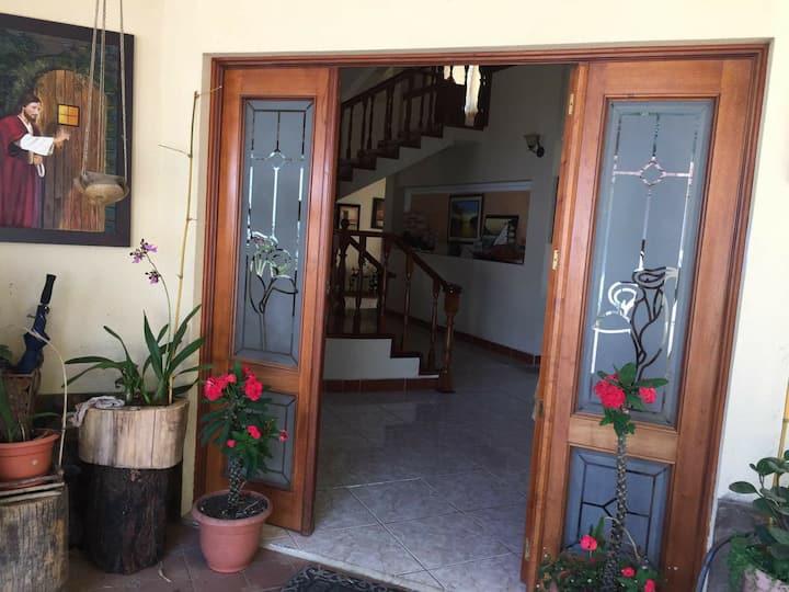 Habitaciones en Casa Familiar, GUATEMALA ZONA 16