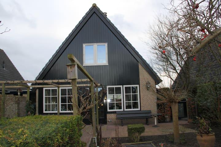 Vrijstaand huis kort bij zee - Nieuwe Niedorp