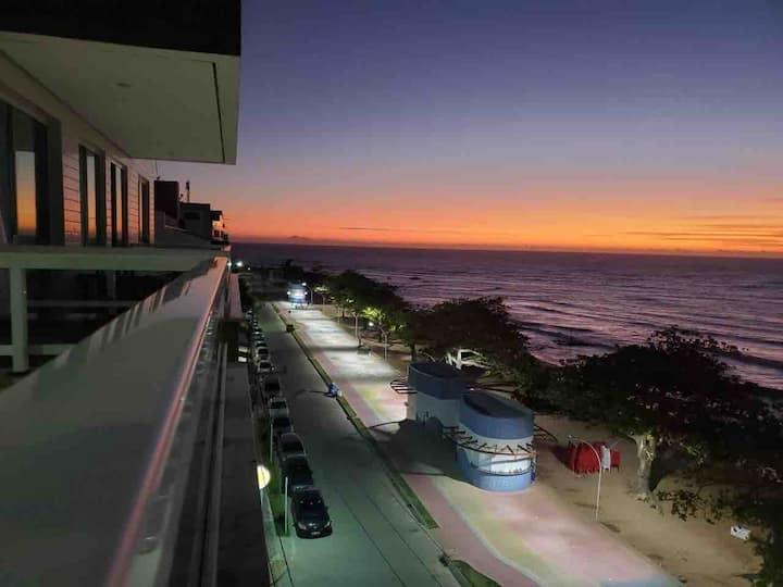 Apartamento frente praia dos castelhanos