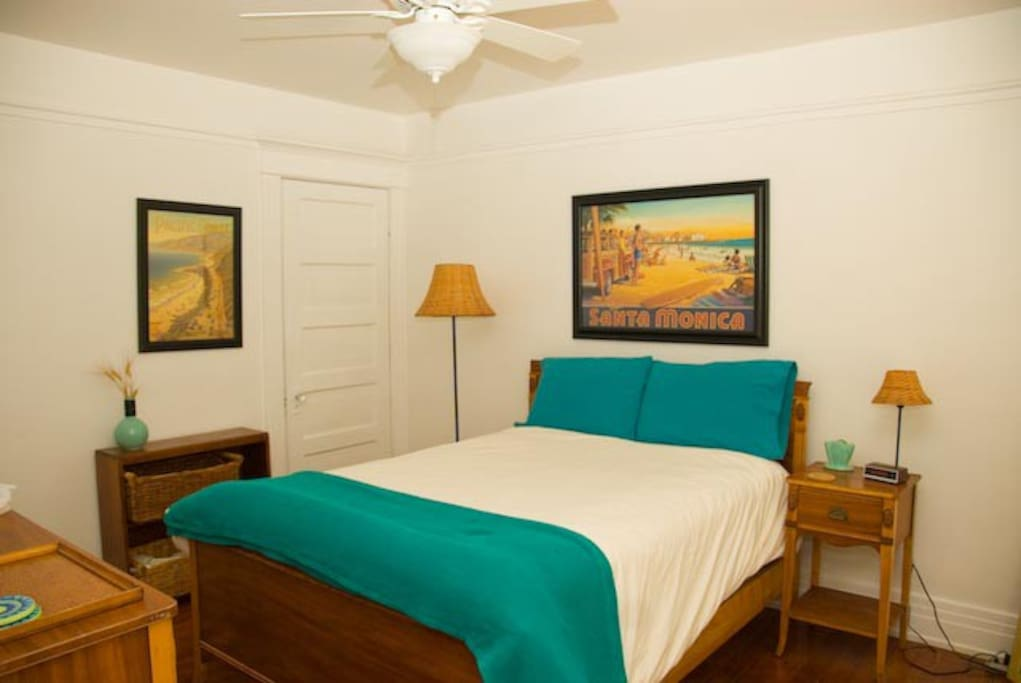 East View: Mid Century Bedroom Suite;  Queen sized, firm mattress + High Thread Count Linens + Ceiling Fan.