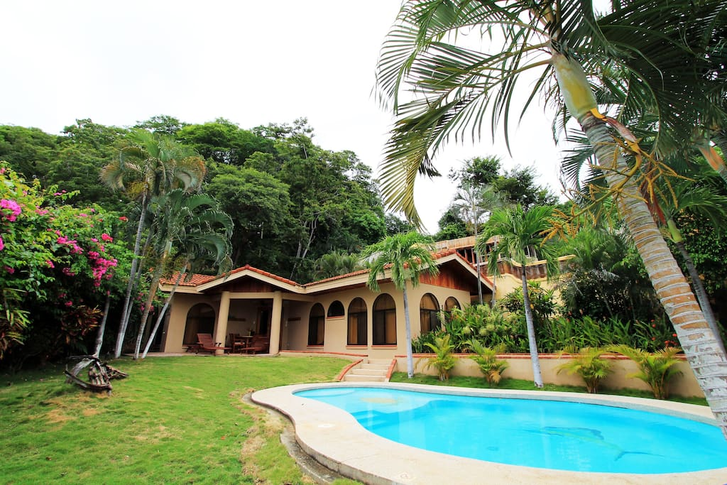 Family beach house 3b amazing ocean view houses for Costa rica house rental