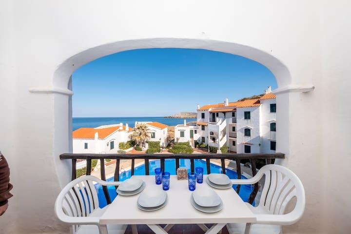 Apartamento en P. Fornells con piscina, vistas mar