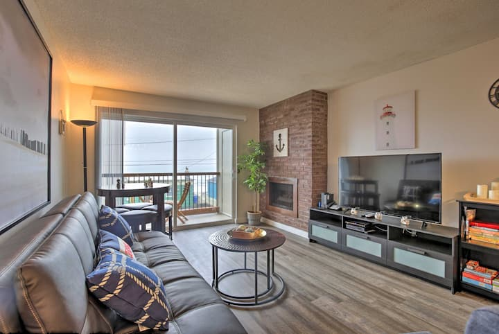 'Seas The Day' Lincoln City Condo Steps from Beach