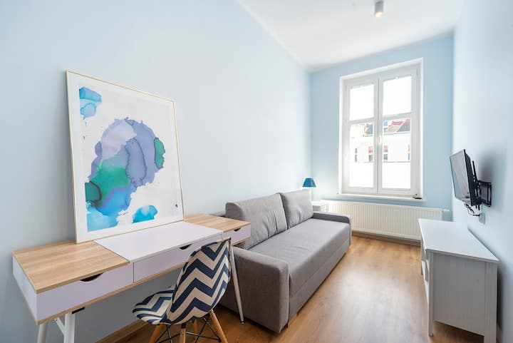Single room with sofa, in the center of Wrzeszcz