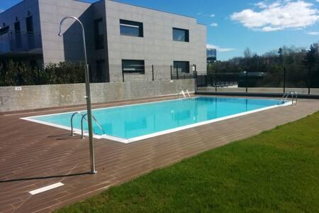 Apartamento nuevo con piscina. - San Sebastián - อพาร์ทเมนท์