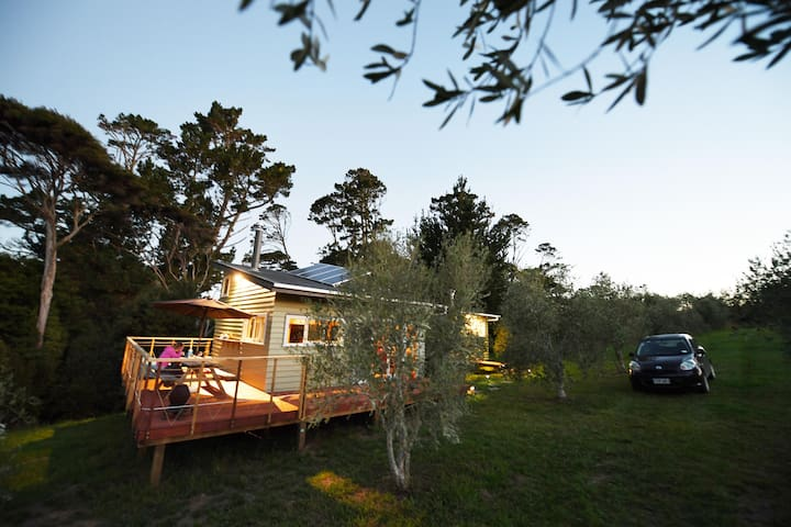 Matakana Vineyard Cabin - Warkworth - กระท่อม