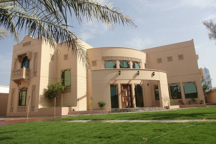 PRIVATE STUDIO GUEST HOUSE  NEAR METRO - Dubai - Casa