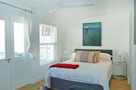 Houghton Estate B&B Upmarket and Affordable - Johannesburg - Bed & Breakfast