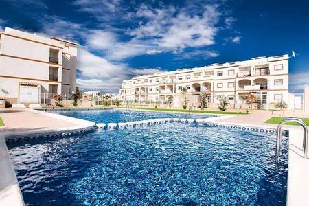 NICE AND COMFORTABLE APARTMENT AT 800m BEACH