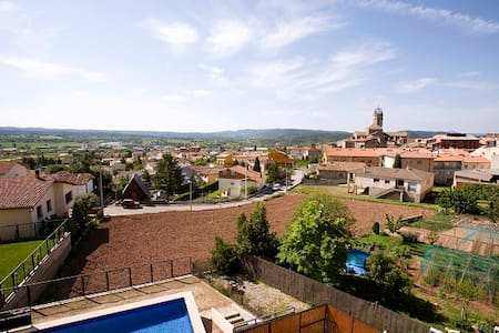 Penthouse overlooking the valley - Moià