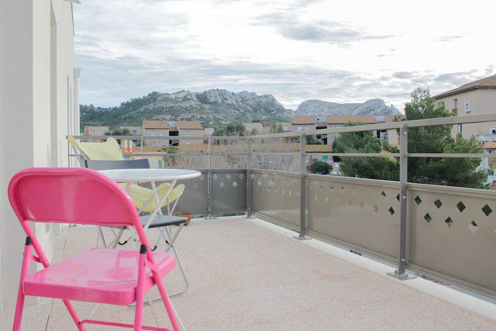 Great flat near calanques beaches appartamenti in for Garage costa marseille