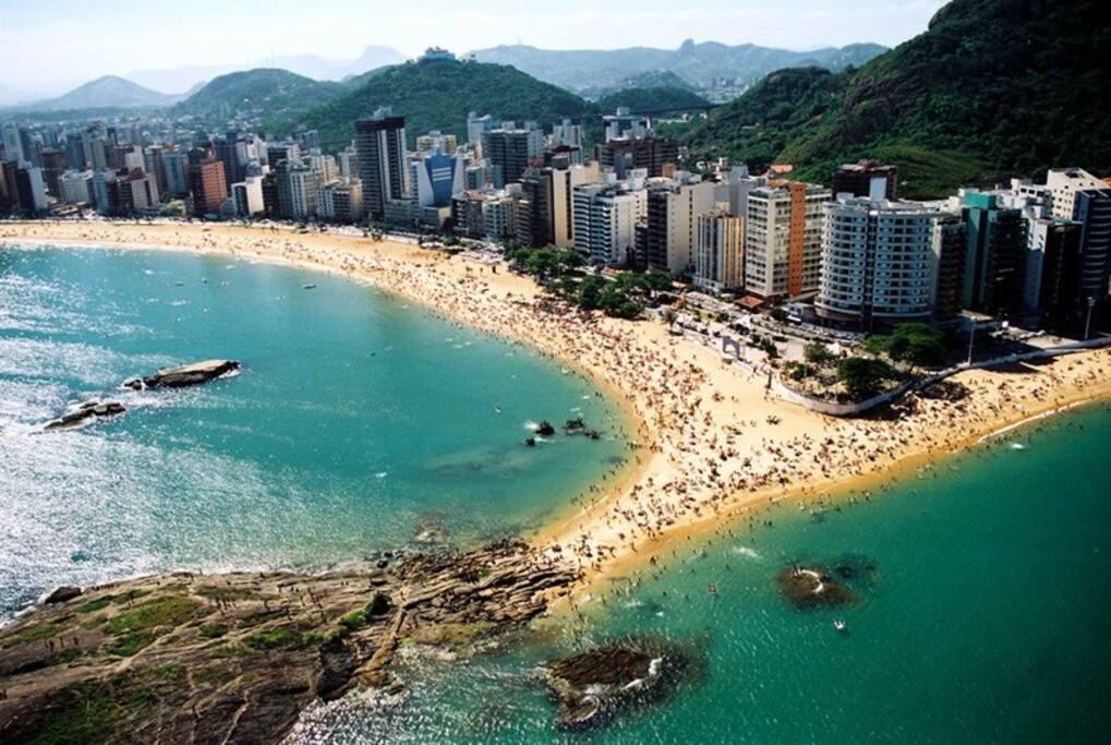 Praia da Costa praia a 5 km da praia de itaparica com calcadao e ciclovia entre uma praia e outra