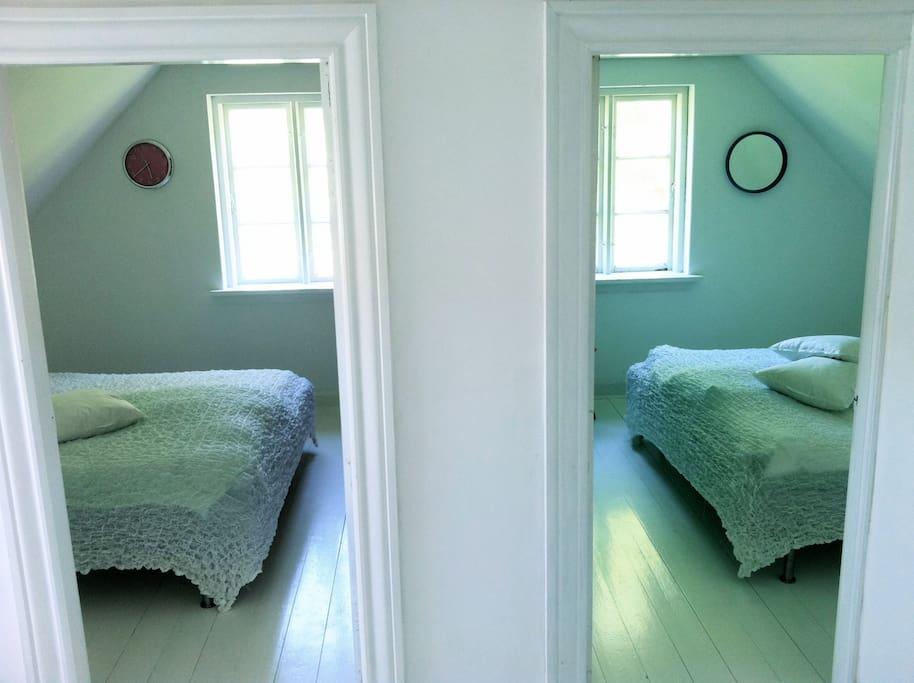 De to værelser på førstesalen
