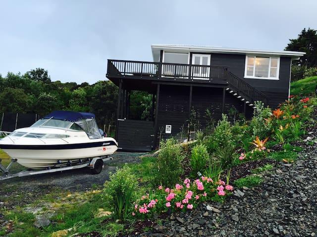 Waipu Cove beach house