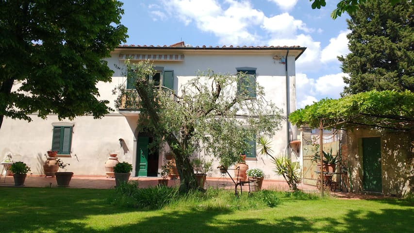 Gabriella's country house with pool, near Pisa - Pisa - Villa