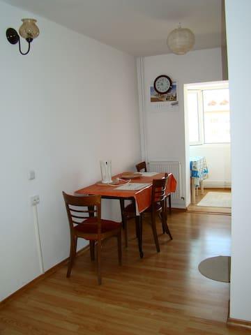 Apartment - Târgovişte - Apartamento