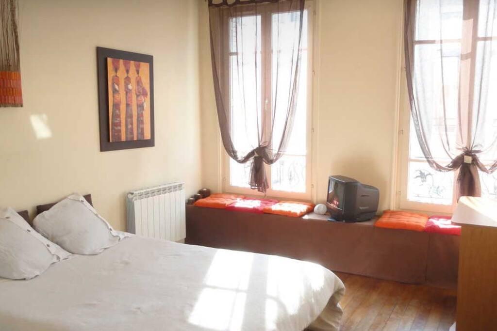 Chambre chez l 39 habitant paris flats for rent in les - Chambre chez l habitant ile de france ...