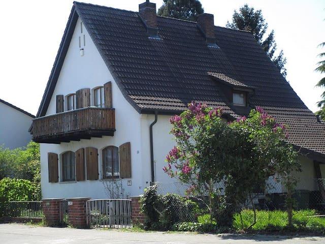 Haus 3 Schlafzimmer Für 4 bis 6 Gäste / Familien