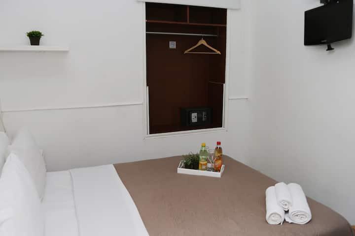 Habitación Matrimonial (Bienvenidos a Descansar)