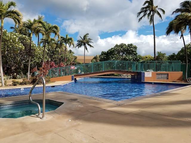 Koa Resort Unit 5C - Updated kitchen, large pool