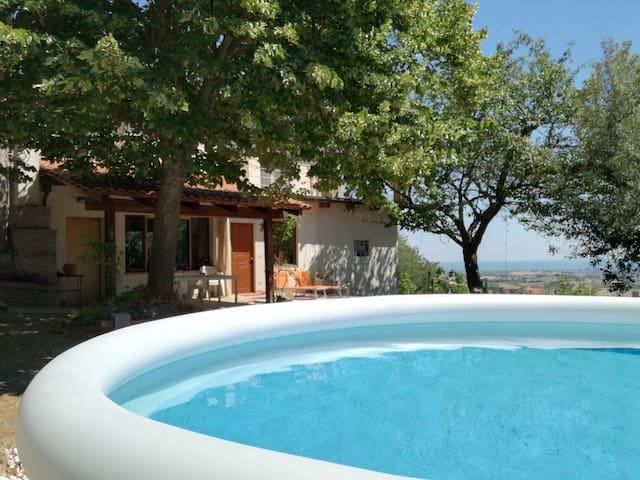 villa Paradiso con piscina sulle colline Riccione