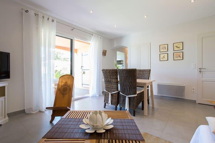 Appartement rez de jardin + piscine - Biot - Apartemen