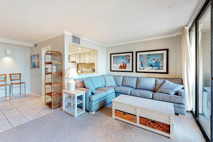 Sea Colony Ocean 2nd-floor condo with elevator and gym!