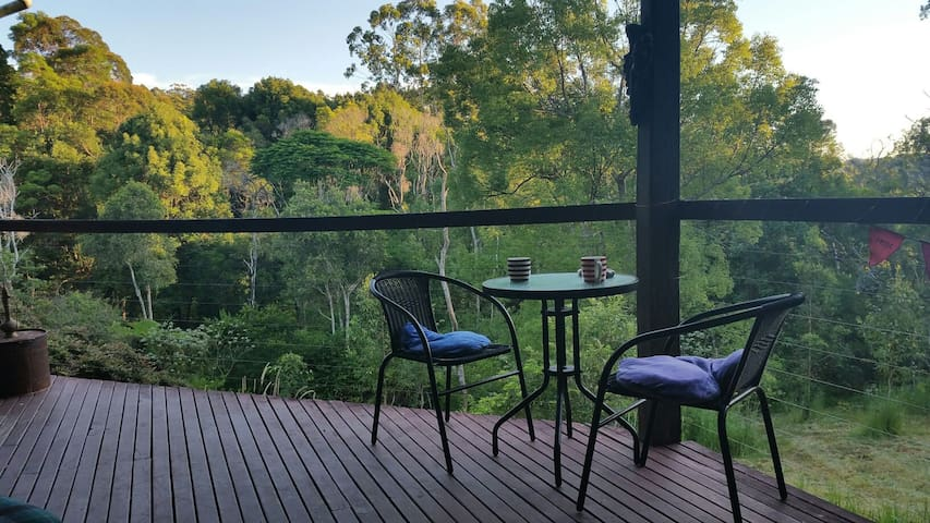 Byron Bay Hinterland whole house 2 double bedrooms