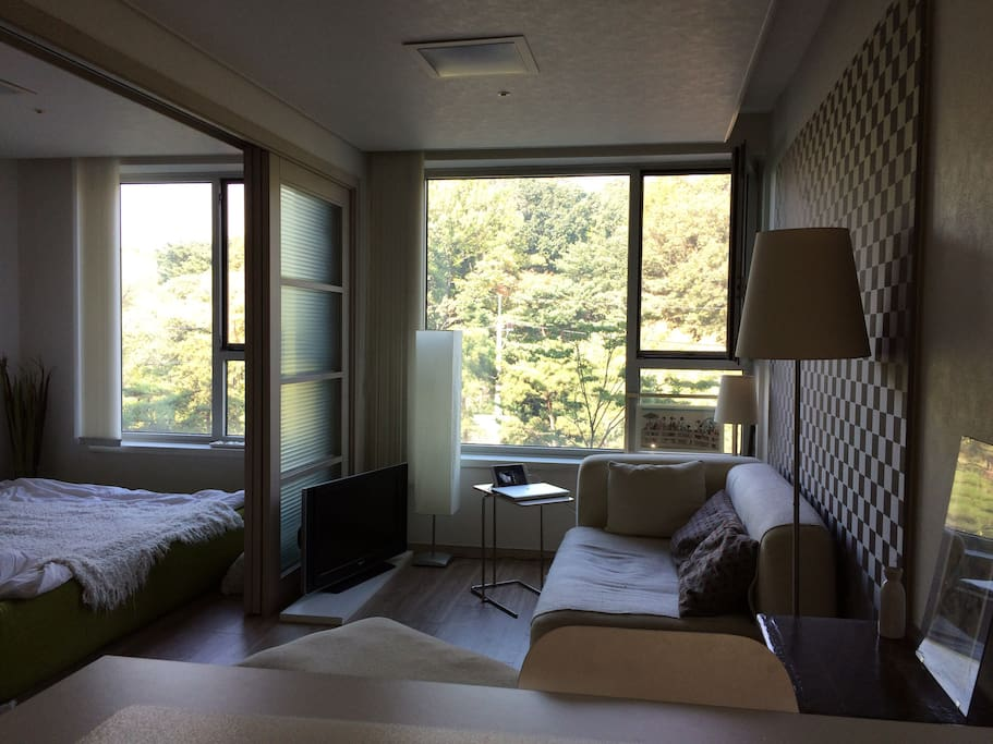 Peacefull location with open-green view in the hearth of Gangnam.