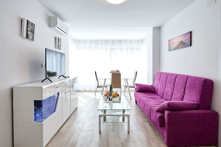 Deluxe Apartment, 3 min from the beach