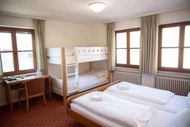 Familienzimmer-Standard im Hotel Falk