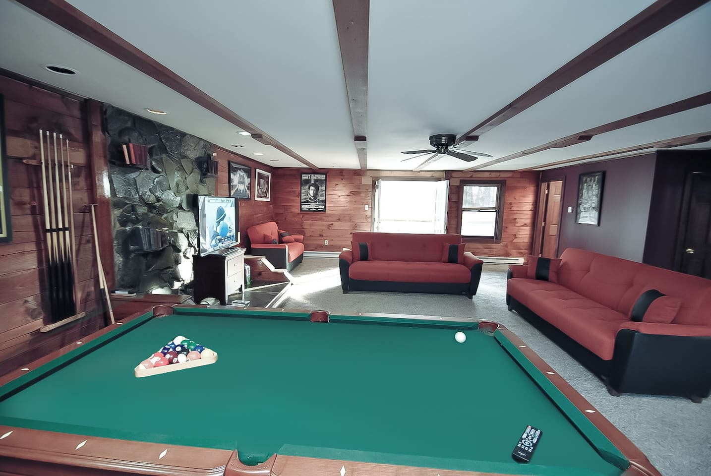 Grand Summit Lodge on Whiskey Mountain - 21 ppl - Houses for Rent in ...