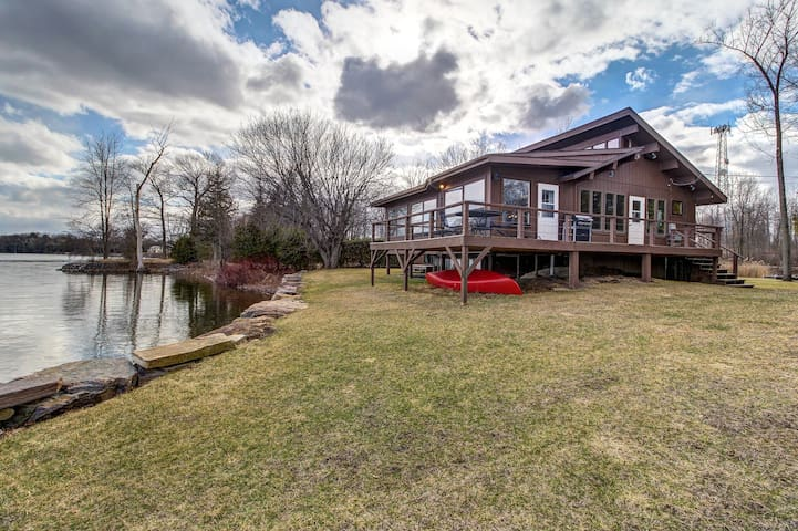 Lakefront home w/ canoe, dock & great views of the Alburgh Passage - dogs OK!