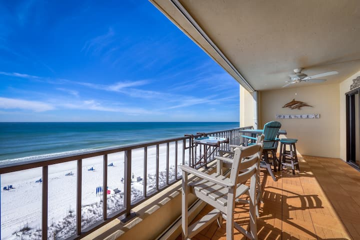 7th Floor Nautical-Themed Condo W/ Gulf-Front Views! Steps To Beach!