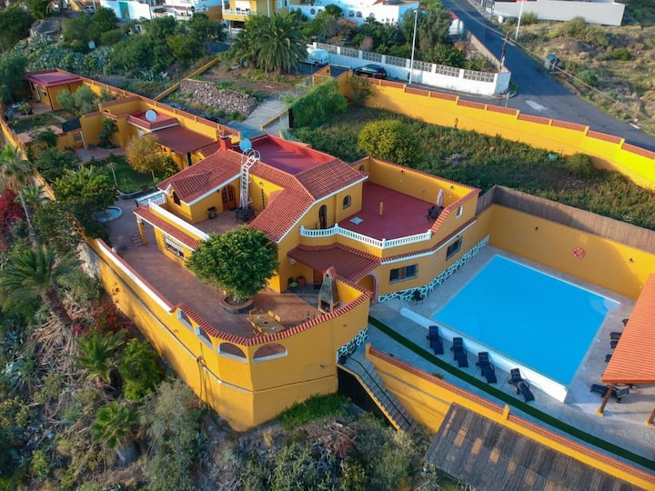 Canalina 2, Villa en Balcón de Telde
