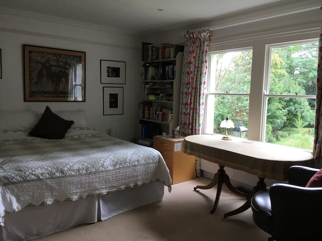 2nd room in Elegant house, Central Oxford
