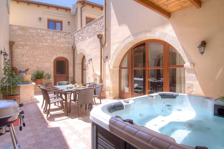 Askoutsi Manor, Spa whirlpool & Privacy!