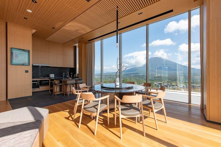 Skye Niseko 4 Bedroom Penthouse