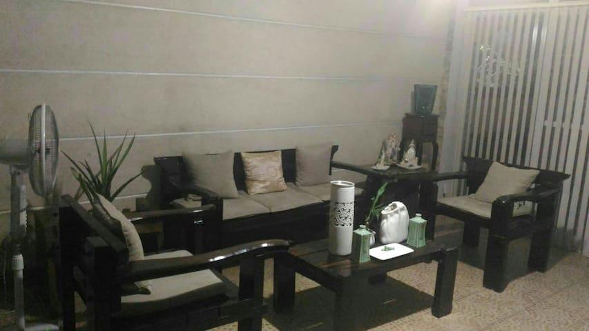 Charming studio unit - Iloilo City - Apartamento