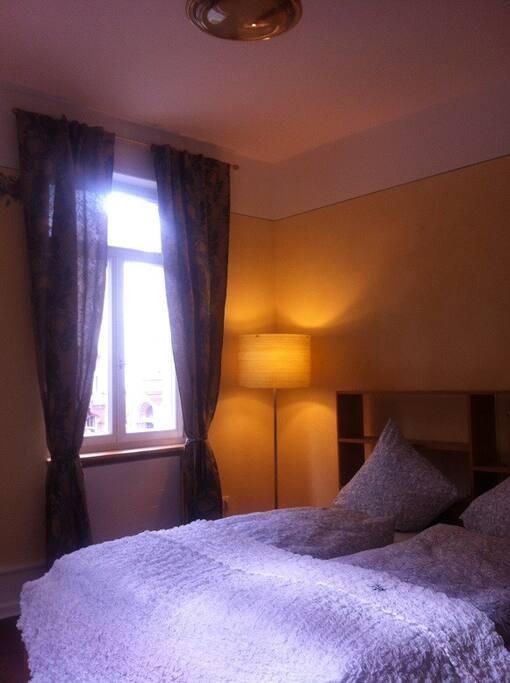 Pompeji-Zimmer mit 200er-Bett